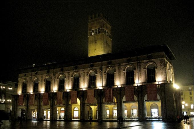 bologna-palazzo-re-enzo-bologna-contemporary-art